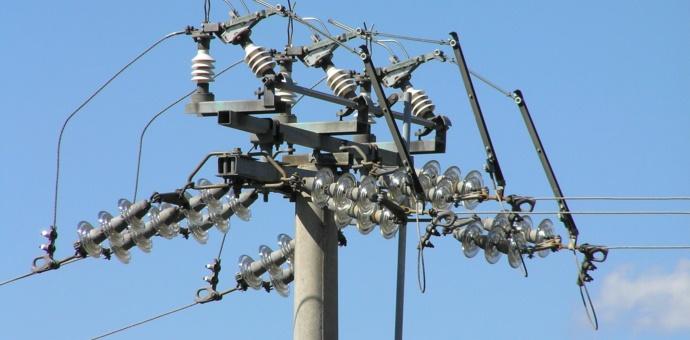 Droni: Linee Elettriche
